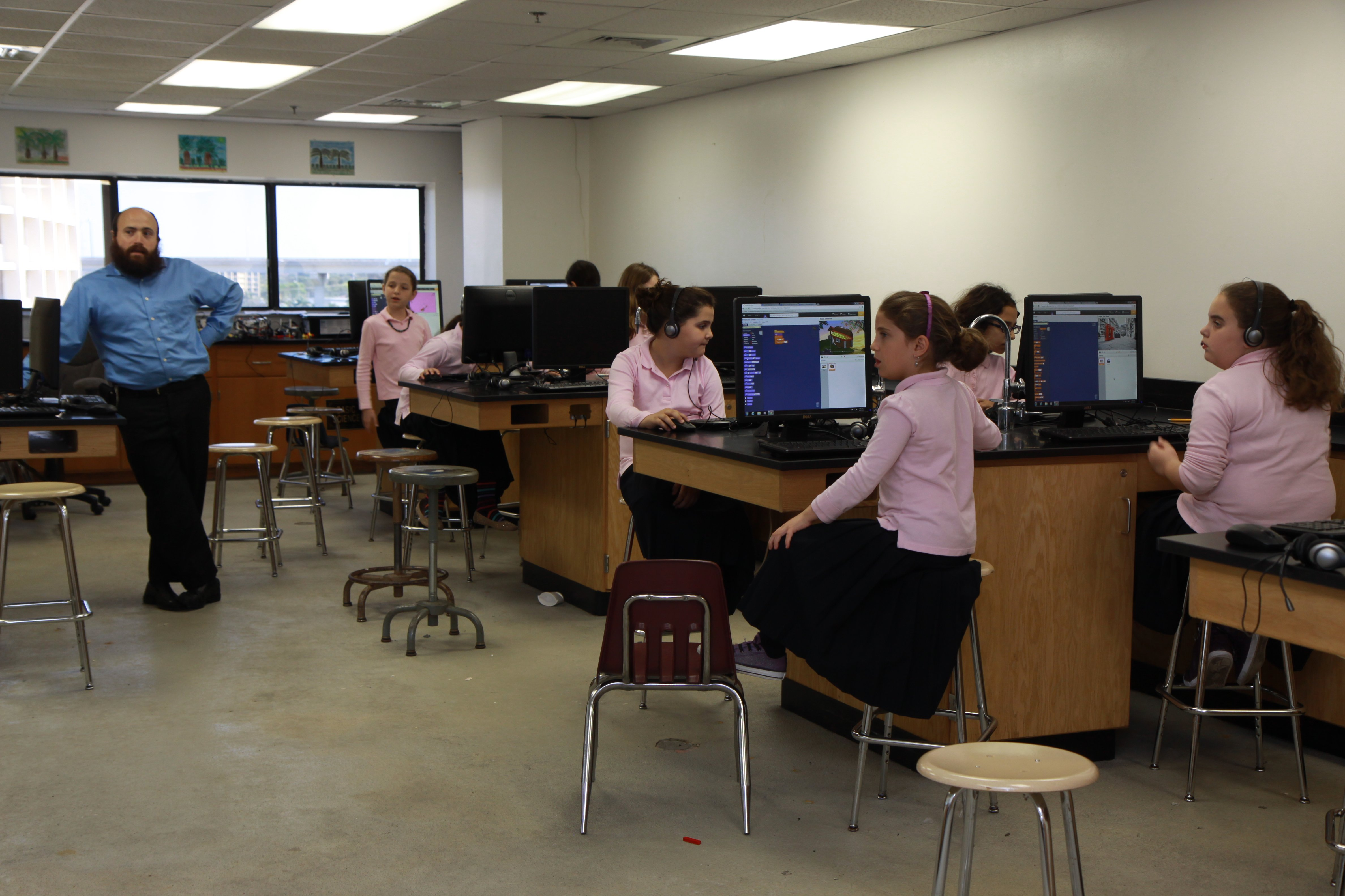 Programming with Tynker at the Lubavitch Education Center, Miami